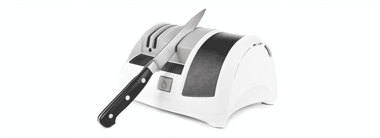 Using an electric knife sharpener