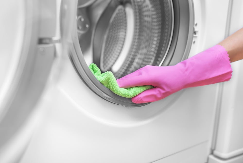 How to Wash Hunting Clothes: Clean your washer