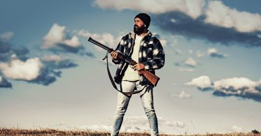 how to become a professional hunter