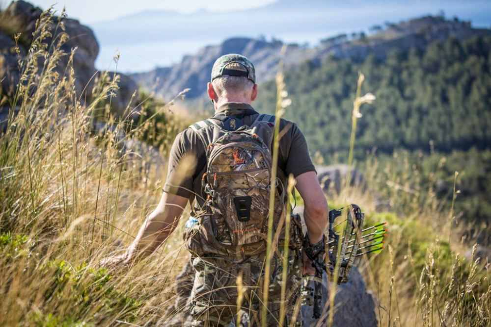 Best Base Layer for Hunting – Buyer's Guide