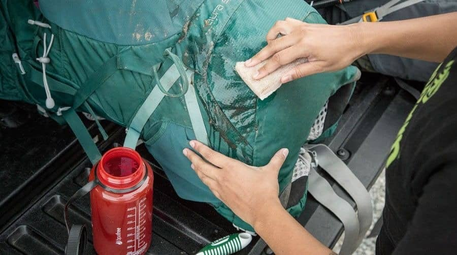 How to Clean a Backpack-Handwash